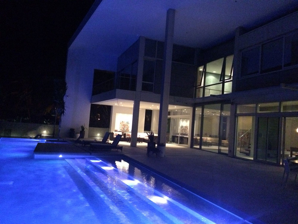 10090-timmer-pool-at-night, decorative concrete